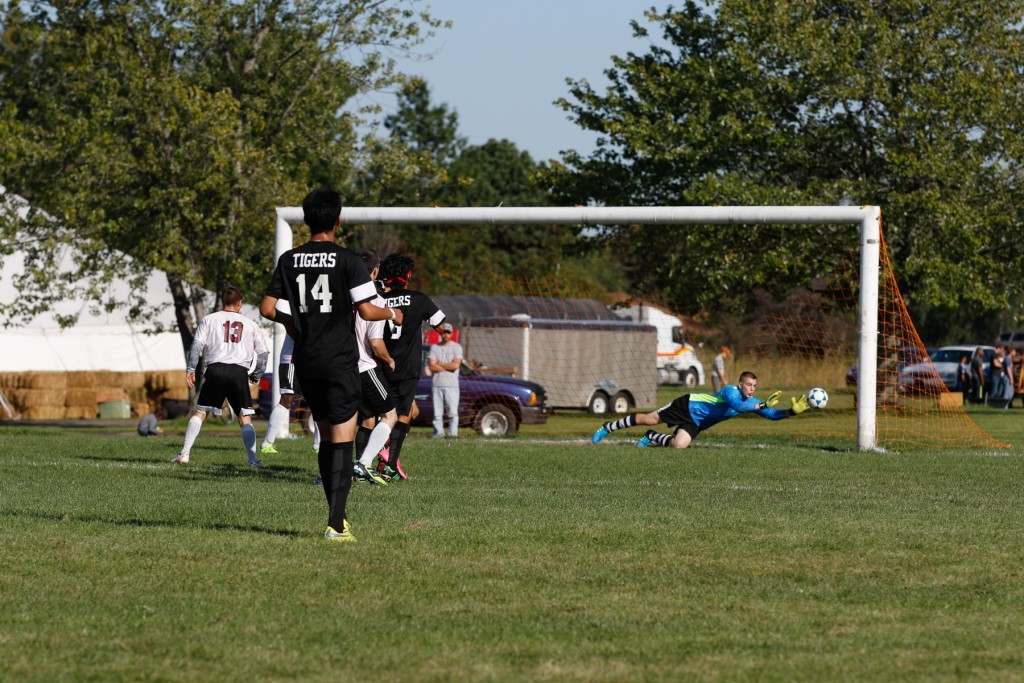 Fairhaven Baptist College Soccer 2015 (6 of 7)
